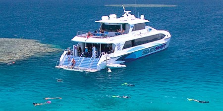 Silverswift-Great-barrier-reef-dive-boat